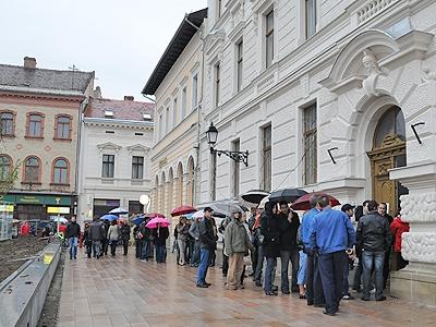 Okmányiroda Kossuth tér 19 óra