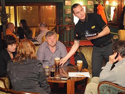 Murphys Pub 22 óra