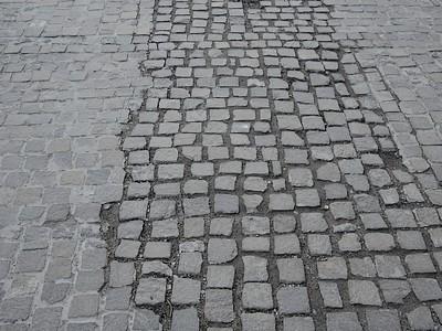 Patartics Zorán: Fiktív közműszolgáltatói levél Európa Kulturális Fővárosának