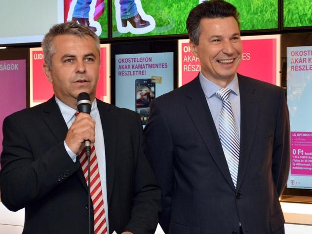Átadták a Telekom újjávarázsolt boltját az Árkádban