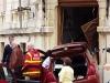 A volt Bóbita Bábszínház épületének hajtott egy autós
