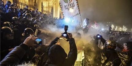 Két nap alatt 51 tüntetőt állított elő a rendőrség Budapesten