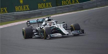 A Mercedes pilótája, Hamilton hetedszer nyert a Hungaroringen