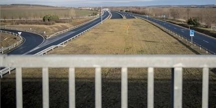 A mohácsi Duna-hídon keresztül vezet majd a Pécs és Szeged közötti gyorsforgalmú út