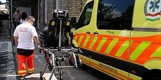 Eszméletlenül találtak rá a mentők és a rendőrök három emberre egy szederkényi házban