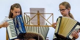 Egyre több véméndi iskolás találkozik a német fúvós zenével