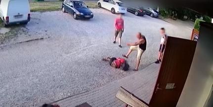 A lábánál fogva húzott ki egy vendéget egy agresszív férfi, majd szétverte a kocsmát