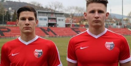 Az átigazolási időszak utolsó pillanataiban szerződtetett két új játékost a PMFC