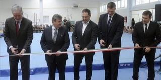 Új otthonra lelt a pécsi tornasport: átadták a PSN kétszázmillióból kialakított tornacsarnokát