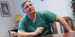 Néha alkudozik a Jóistennel a Szívgyógyászati Klinika helyettes vezetője, Dr. Horváth Iván