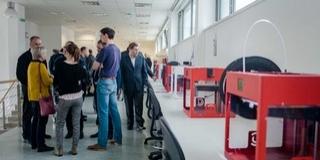 Háromdimenziós technológiájú nyomtatási központot adtak át a pécsi egyetemen