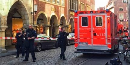 Tömegbe hajtott egy kisteherautó a németországi Münsterben, többen meghaltak - Videó!