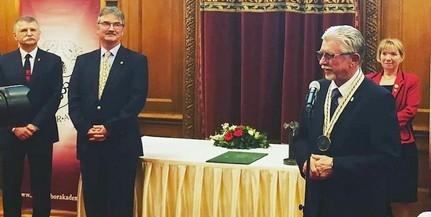 A villányi borász, Tiffán Ede vehette át elsőként a Magyar Bor Akadémia Életműdíját