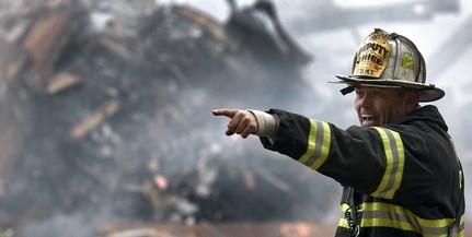 Lángokba borult egy személyautó a Megyeri úton