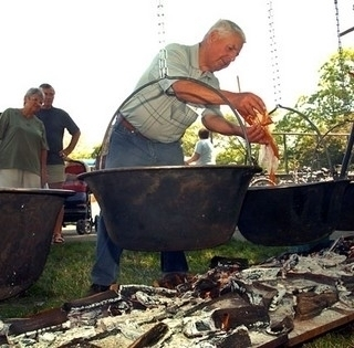 Most is messzire szállhat az illata - akár 1500-an is főzhetnek halászlevet Mohácson