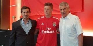 Csoboth Kevinnel 2021-ig hosszabbított a Benfica