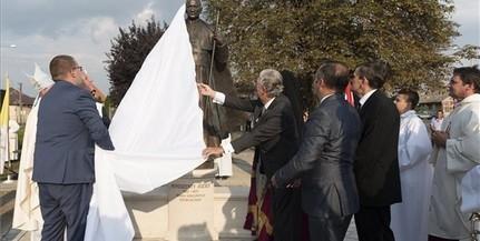 Leleplezték Mindszenty József szobrát Máriapócson
