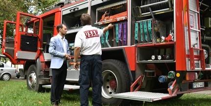 Képviselők adományaiból vehettek új járművet a pécsi önkéntes tűzoltók