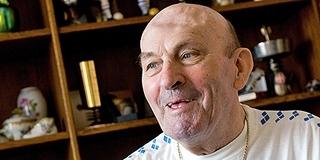 Nyolcvanegy esztendős lenne a pécsi kapuskirály, Rapp Imre, aki az eszével is védett