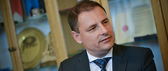 Tuzson Bence: az állam feladata, hogy a polgárokat szolgálja - Béremelés jöhet a közigazgatásban is