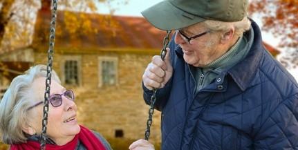 Novemberben érkezik a nyugdíjprémium, az intézkedés 2,5 millió embert érint