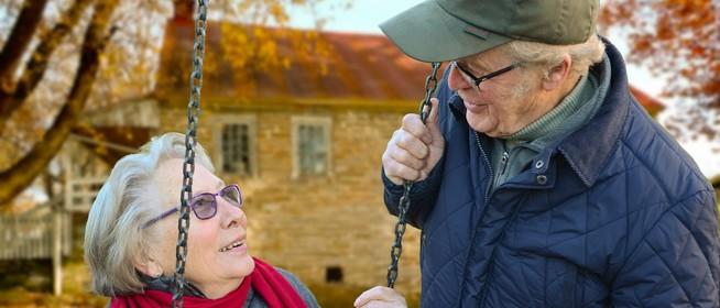 A nyugdíjjal egyszerre fizetik ki a prémiumot - Novemberben egyszer csenget a postás