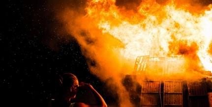 Felgyújtotta ismerőse házát, testvérével közölte, hogy bumm lesz, aztán meglopta a betegtársait