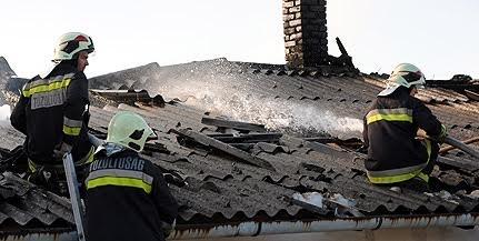 Tűz ütött ki egy pécsi családi házban a Csap utcában