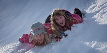 Kiadták a riasztást, érkezik a havazás, Baranyában eshet a legtöbb hó