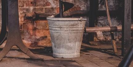 Működött a kémia: sósavval öntötte le egy részeg férfi a lakótársát Mohácson