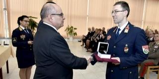 Pécsi tűzoltó, Fischer András ezredes vehette át az Év tisztje elismerést