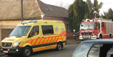 Rosszul lett egy munkás a tetőn Mohácson, tűzoltók hozták le