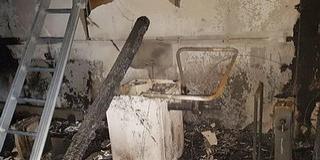 Teljesen kiégett egy gumis műhely Mohácson