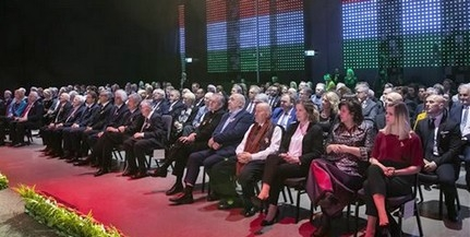 Elismerések az ünnepen: a PTE öt munkatársát és a Pécsi Balett táncosát is kitüntették