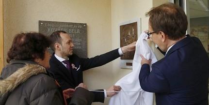 Domborművet avattak fel a kisgazda politikus, Kovács Béla patacsi szülőházánál