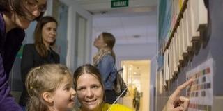 Megelevenedtek a falak a Pécsi Gyermekklinikán - Mesevilág oldja a szorongást