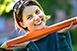 Akinek a mosoly a védjegye: Ferling Szonja rajzairól sugárzik a gyermeki boldogság