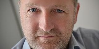 A balliberálisok polgármesterjelöltjét ekézik Kőváriék