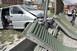 Lebontotta a zajvédő falat egy autós Budapesten