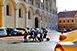 Állítólag bírja a terhelést, ezért parkolhatnak kocsik a gyönyörűen felújított Dóm téren