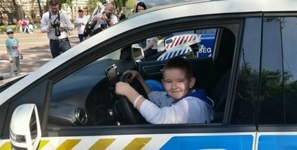 Közös majálisra várják a gyerekeket a tűzoltók, a mentők és a rendőrök szombaton