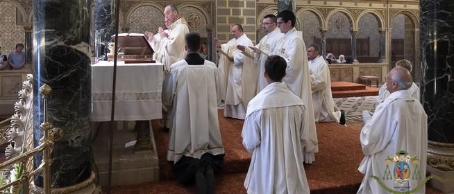 Akiket Isten szíven szúrt: három most felszentelt pap kezdi meg szolgálatát az egyházmegyében