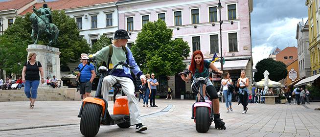 Újdonság Pécsett: elektromos chopper biciklikkel járható be a belváros
