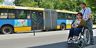 Miért is kell másfél órát várni akadálymentesített buszra? Íme, a Tüke Busz válasza