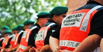 Megszállják a Balatont a NAV ellenőrei - Nem fürdeni mennek