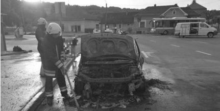 Kigyulladt egy kocsi Baranyában, kimenekültek az utasok