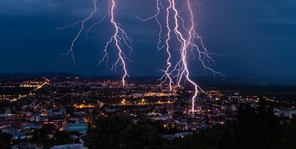 Félelmetesen gyönyörű: így cikáztak a villámok Pécs felett a viharban