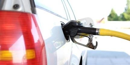 Pár forinttal olcsóbban tankolhatnak mától a benzinesek
