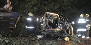 Vonattal ütközött egy autó, hárman meghaltak