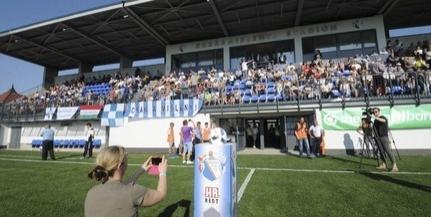 Ajjaj: a polgármester szerint túl nagy a zaj a kozármislenyi stadionban - Szájkosarat kapnak a gyerekek